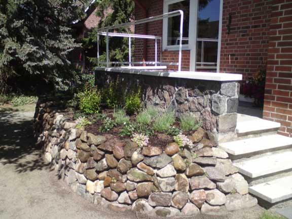 august horstmann kunst und handelsg rtnerei fledsteinmauern natursteinmauern. Black Bedroom Furniture Sets. Home Design Ideas